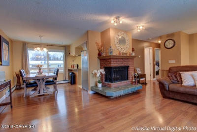 Anchorage AK Single Family Home For Sale: $305,000