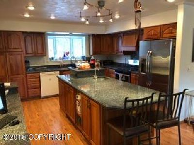 Anchorage Single Family Home For Sale: 18546 Mink Creek Drive
