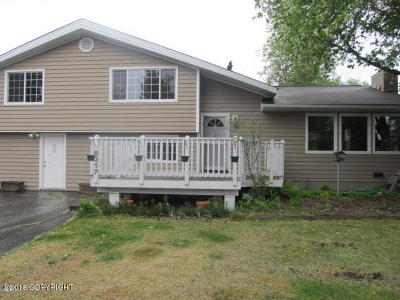 Anchorage Single Family Home For Sale: 8317 Loganberry Street