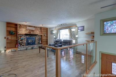 Anchorage Single Family Home For Sale: 6881 Burlwood Drive