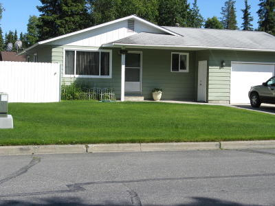 Kenai Single Family Home For Sale: 712 Maple Drive