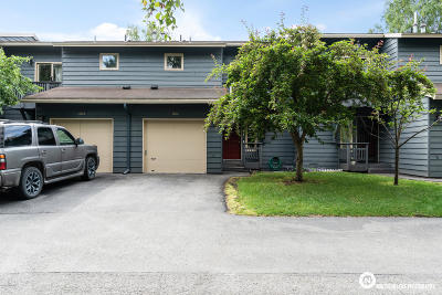 Anchorage Condo/Townhouse For Sale: 8406 Lake Otis Parkway #A04
