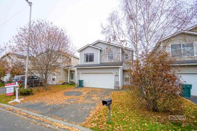 Anchorage Single Family Home For Sale: 6439 Desiree Loop