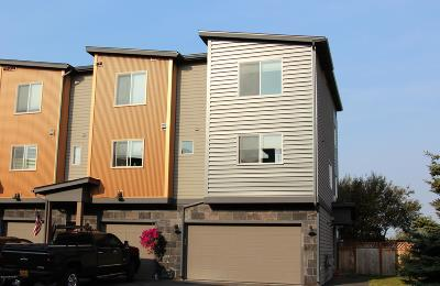 Anchorage Condo/Townhouse For Sale: 11400 Moonrise Ridge Place