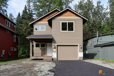 Anchorage AK Single Family Home For Sale: $350,000