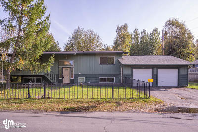 Anchorage Single Family Home For Sale: 6917 Bugle Court