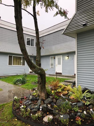 Anchorage Condo/Townhouse For Sale: 4010 Reka Drive #F4