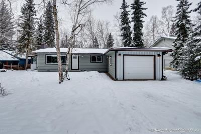Eagle River AK Single Family Home For Sale: $317,500