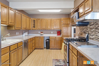 Anchorage Single Family Home For Sale: 324 Dewey Circle
