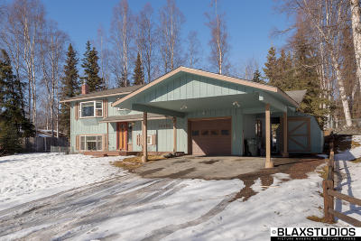 Eagle River Single Family Home For Sale: 10436 Chatanika Loop