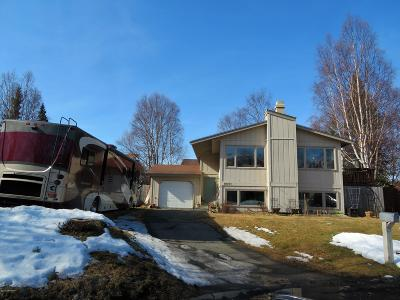 Anchorage Single Family Home For Sale: 8621 Pioneer Drive