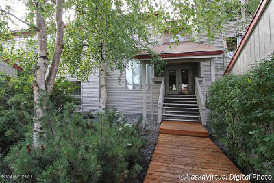 Anchorage Condo/Townhouse For Sale: 9625 Independence Drive #C202