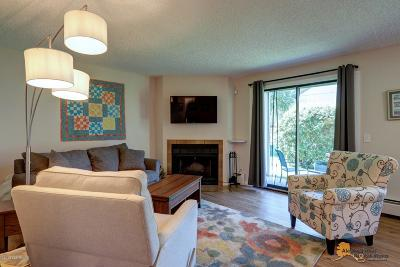 Anchorage Condo/Townhouse For Sale: 3081 Lois Drive #805