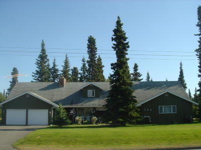 Kenai Single Family Home For Sale: 702 Lawton Drive