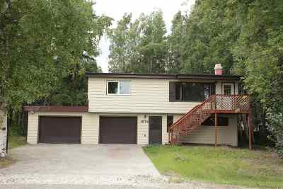 Fairbanks Single Family Home For Sale: 1674 Old Pioneer Way