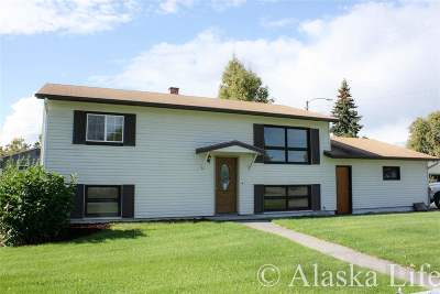 Fairbanks Single Family Home For Sale: 1100 Koyukuk Street