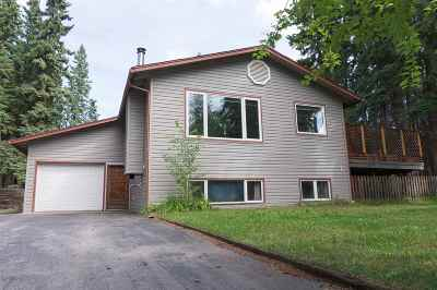 Fairbanks North Star Borough Single Family Home For Sale: 126 Berkeley Court