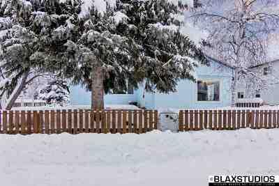 Fairbanks AK Single Family Home For Sale: $165,000