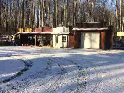 Fairbanks AK Single Family Home For Sale: $142,000