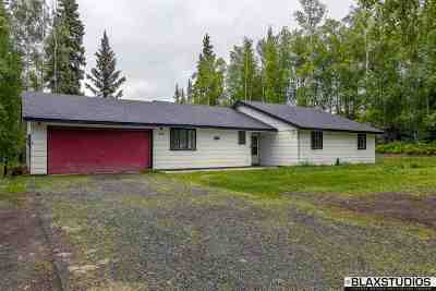North Pole Single Family Home For Sale: 717 Ridge Loop Road