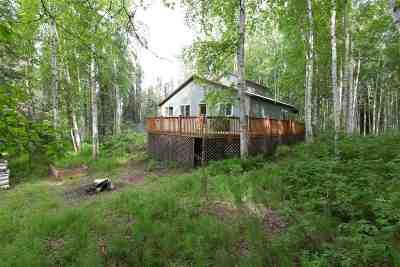 Fairbanks North Star Borough Single Family Home For Sale: 318 Bias Drive East