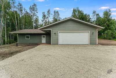 Fairbanks North Star Borough Single Family Home For Sale: 1525 Birch Hollow Court