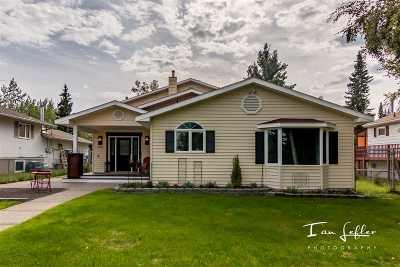 Fairbanks Single Family Home For Sale: 537 Farewell Avenue