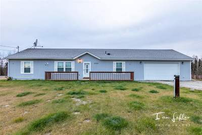 North Pole AK Single Family Home For Sale: $255,000