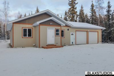 North Pole Single Family Home For Sale: 3210 Airway Drive