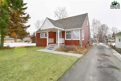 Chena Hot Springs, Clear Creek, Ester, Fairbanks, Fox, Hayes Creek, North Pole, Salcha, Two Rivers Single Family Home For Sale: 1089 Park Drive