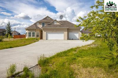 North Pole Single Family Home For Sale: 527 W 6th Avenue