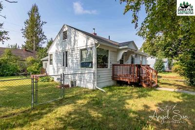 Fairbanks Single Family Home For Sale: 905 9th Avenue