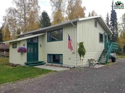 Fairbanks, North Pole Single Family Home For Sale: 1501 Carr Avenue