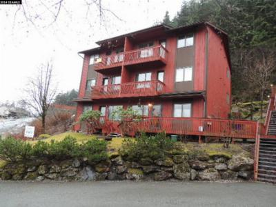 Condo/Townhouse : 2124 Lawson Creek Road