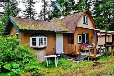 Excursion Inlet AK Single Family Home For Sale: $219,000