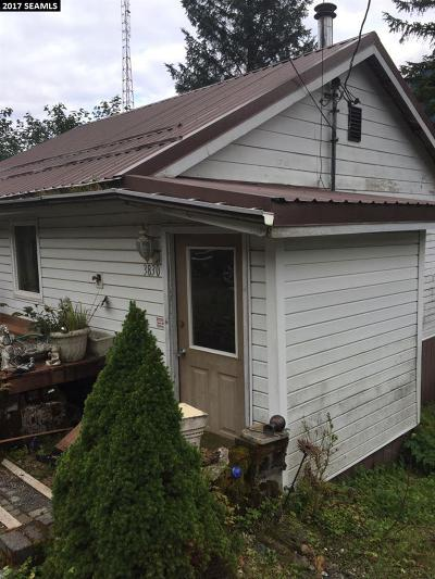 Juneau Single Family Home For Sale: 3830 N Douglas Highway