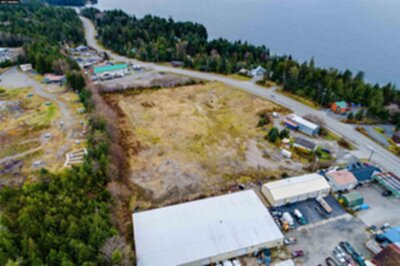 Ketchikan Commercial For Sale: 10690 N Tongass Hwy.