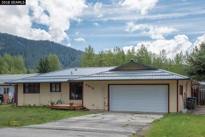 Juneau Single Family Home For Sale: 8213 Dogwood Lane