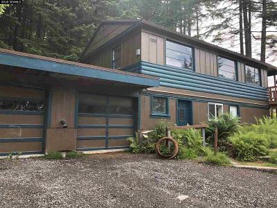 Single Family Home For Sale: 11370 Glacier Highway