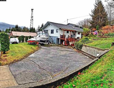Ketchikan Single Family Home For Sale: 2724 Fourth Avenue