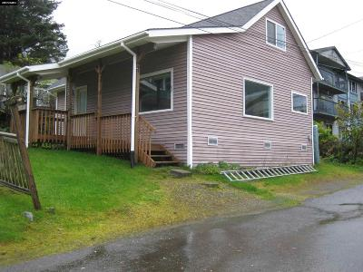 Juneau Single Family Home For Sale: 162 Douglas Highway