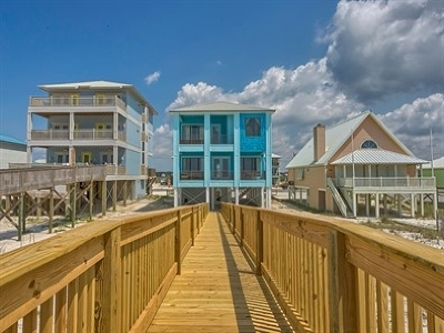 Gulf Shores Single Family Home For Sale: 1621 W Beach Blvd