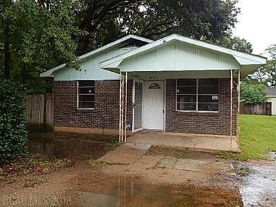 Single Family Home For Sale: 927 Boykin Street