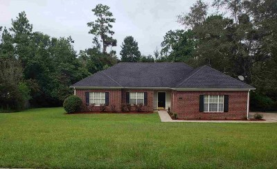 Daphne Single Family Home For Sale: 111 Geneva Drive