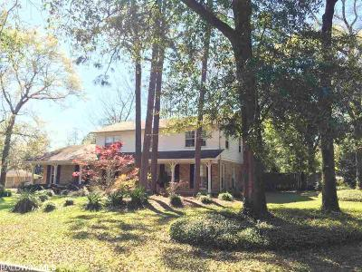Mobile County Single Family Home For Sale: 900 W Regents Drive