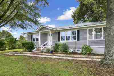 Single Family Home For Sale: 15855 Hwy 42