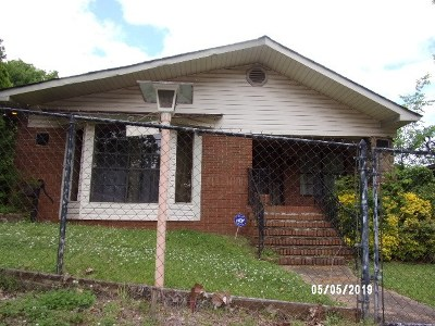 Single Family Home Contingent: 124 58th St