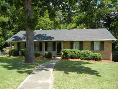Single Family Home For Sale: 2227 Deerwood Rd
