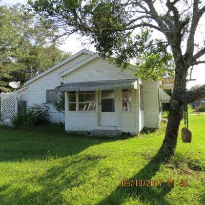 Opp Single Family Home For Sale: 200 Charles St