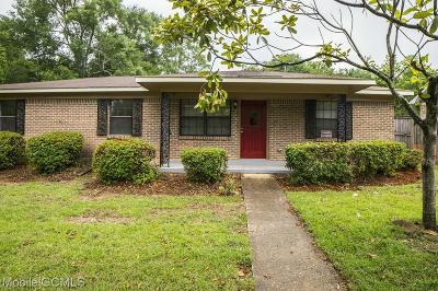 Mobile County Single Family Home For Sale: 5732 Deerwood Drive S